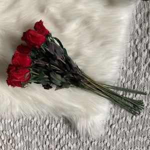 (🌸2/$25🌸) Decorative Feather Roses